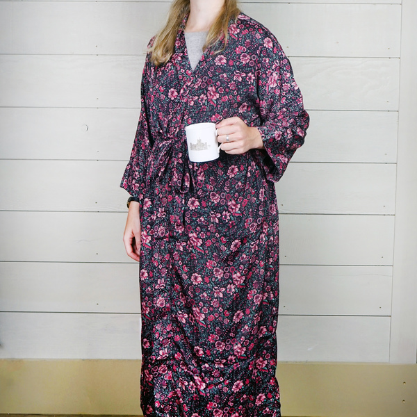 Black and Pink Floral Silk Dressing Gown