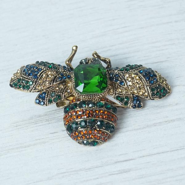 """""""Emerald"""" Bug Brooch"""