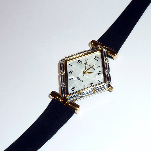 Lady Almina's Watch - Gold