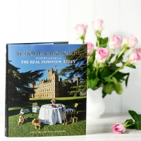 Book - At Home at Highclere. Entertaining at The Real Downton Abbey