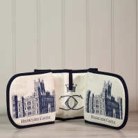 Highclere Castle Oven Gloves
